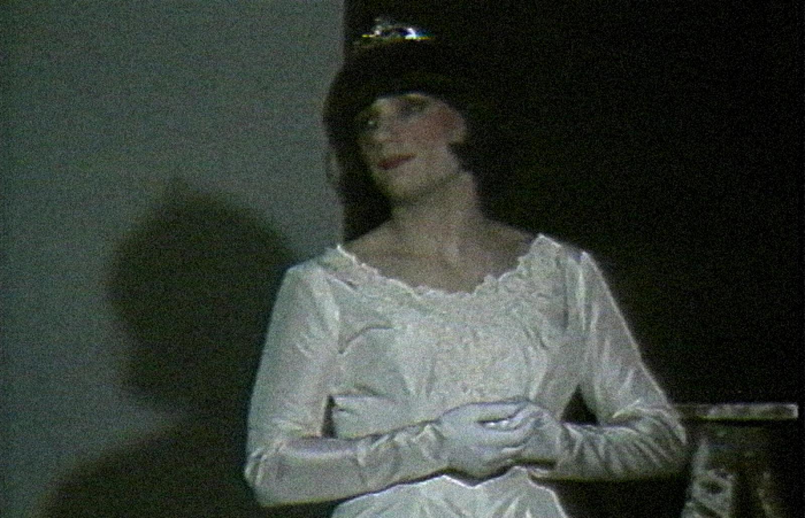 [ Fig. 05 ] <i>Performance de Yves Lalonde</i> (video still), 1987.